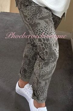 Magic Stretch Joggers -Cheetah - Mocha